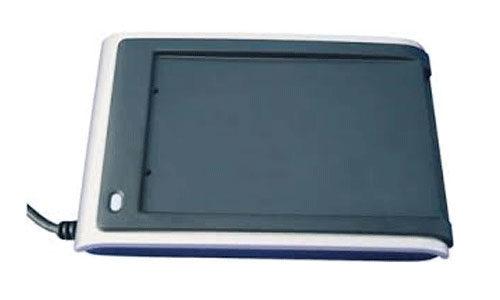 Identiv SCM SDI011 dual-interface smart card reader